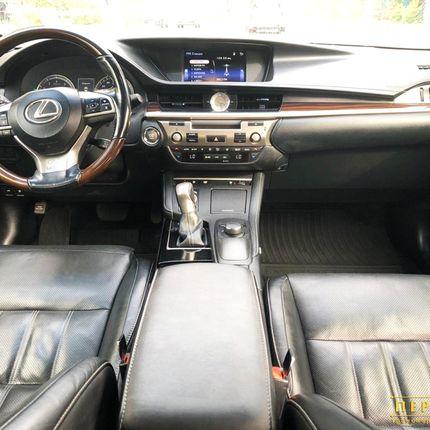 Аренда Lexus ES250