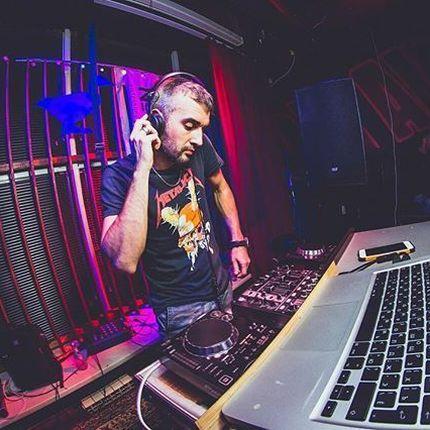 Работа DJ + звуковая аппаратура
