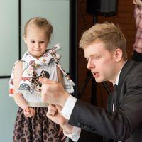 Телепортация происходит прямо в руках ребенка!