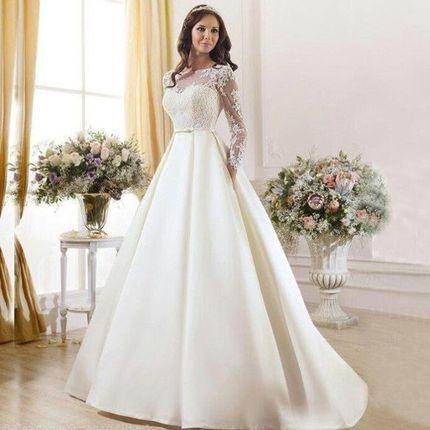 Платье с атласной юбкой в белом цвете