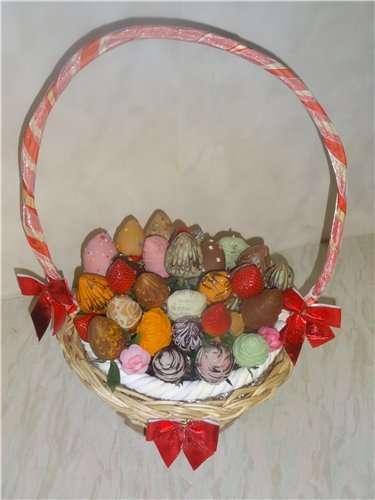 """Фото 10871600 в коллекции Корзины подарочные.Фруктовые композиции - Кондитеры """"Шоколадная радуга"""""""