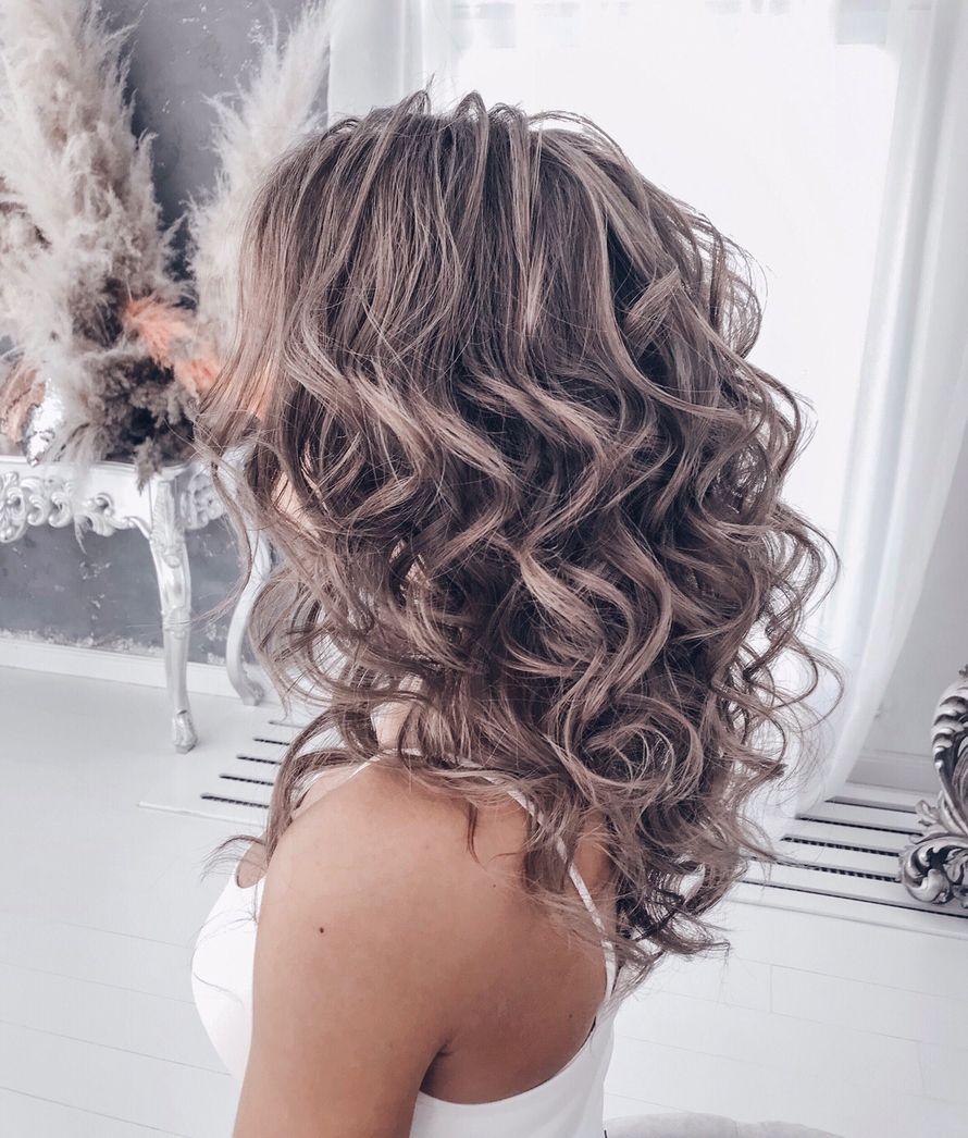 Причёски на распущенные или короткие волосы