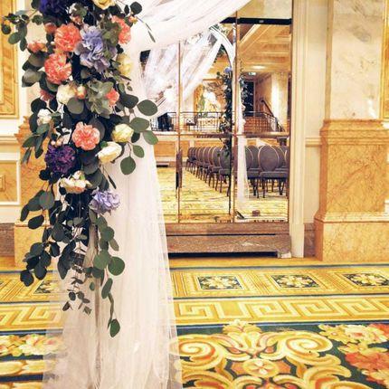 Оформление цветами в Crystal Hall