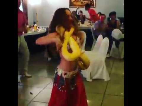 танец с питоном