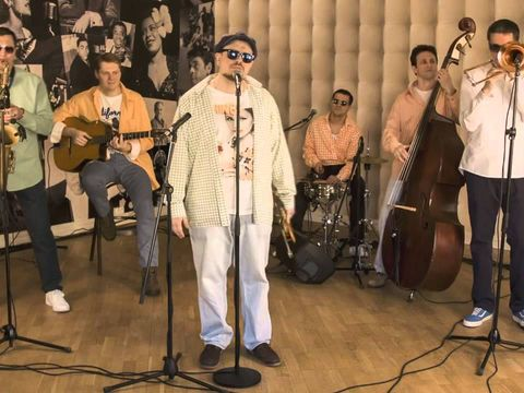 Sweet Hot Jazz Band - Дым Сигарет с Ментолом(Нэнси cover)