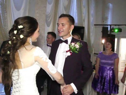 Ведущий Иван Сироткин